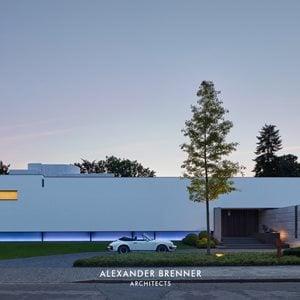 Photo by Alexander Brenner