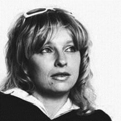 Henrieta Nezpevakova