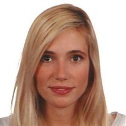 Adriana R