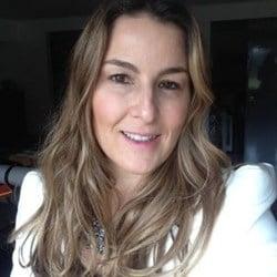 Anna Lucia  Azevedo