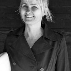 Julie  Storm