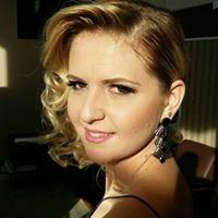 Evelyn Katia de Oliveira