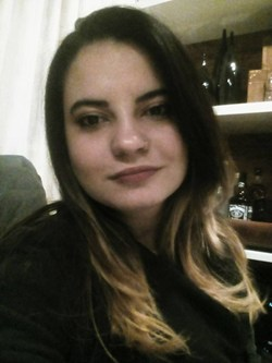 Monique Caminhas