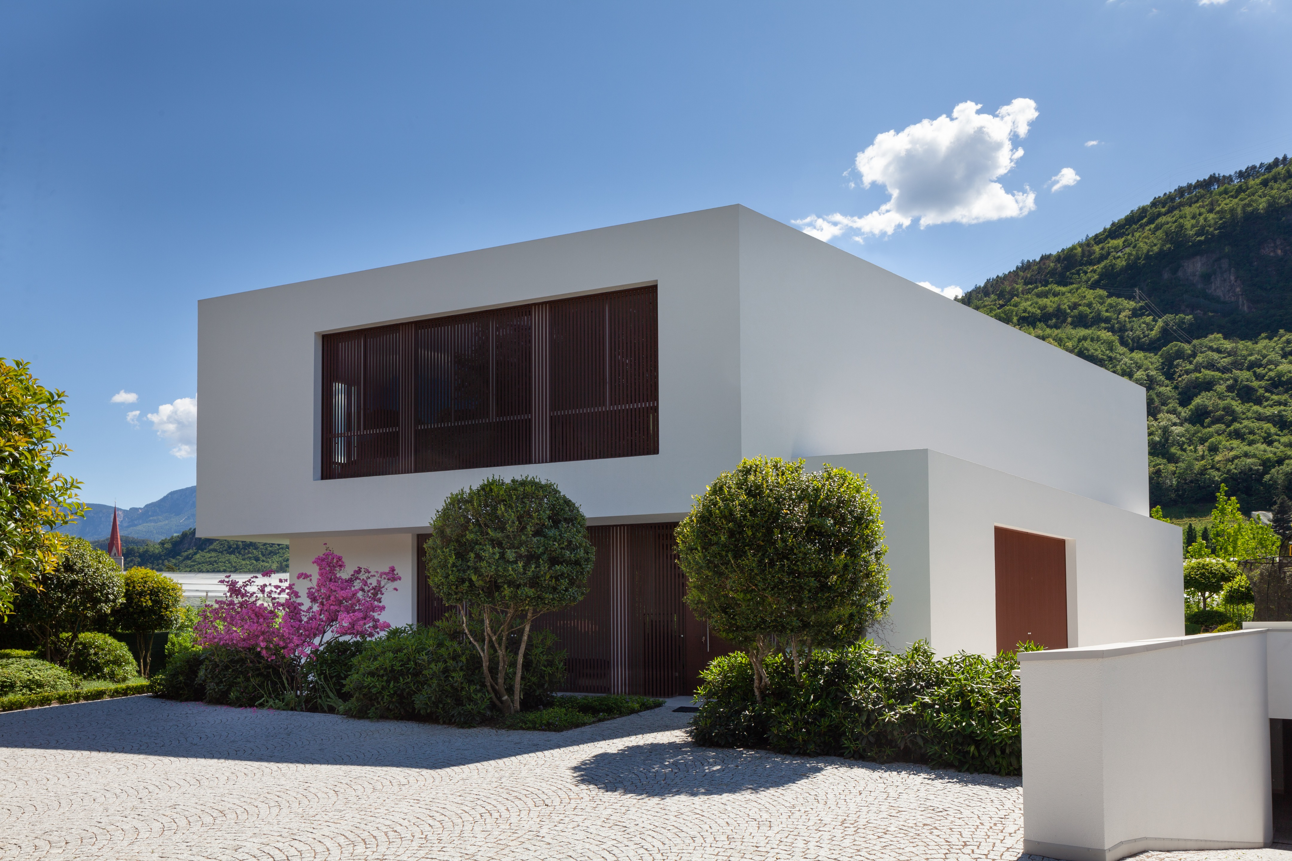 Rampe Garage In Porfido house g   monovolume architecture + design