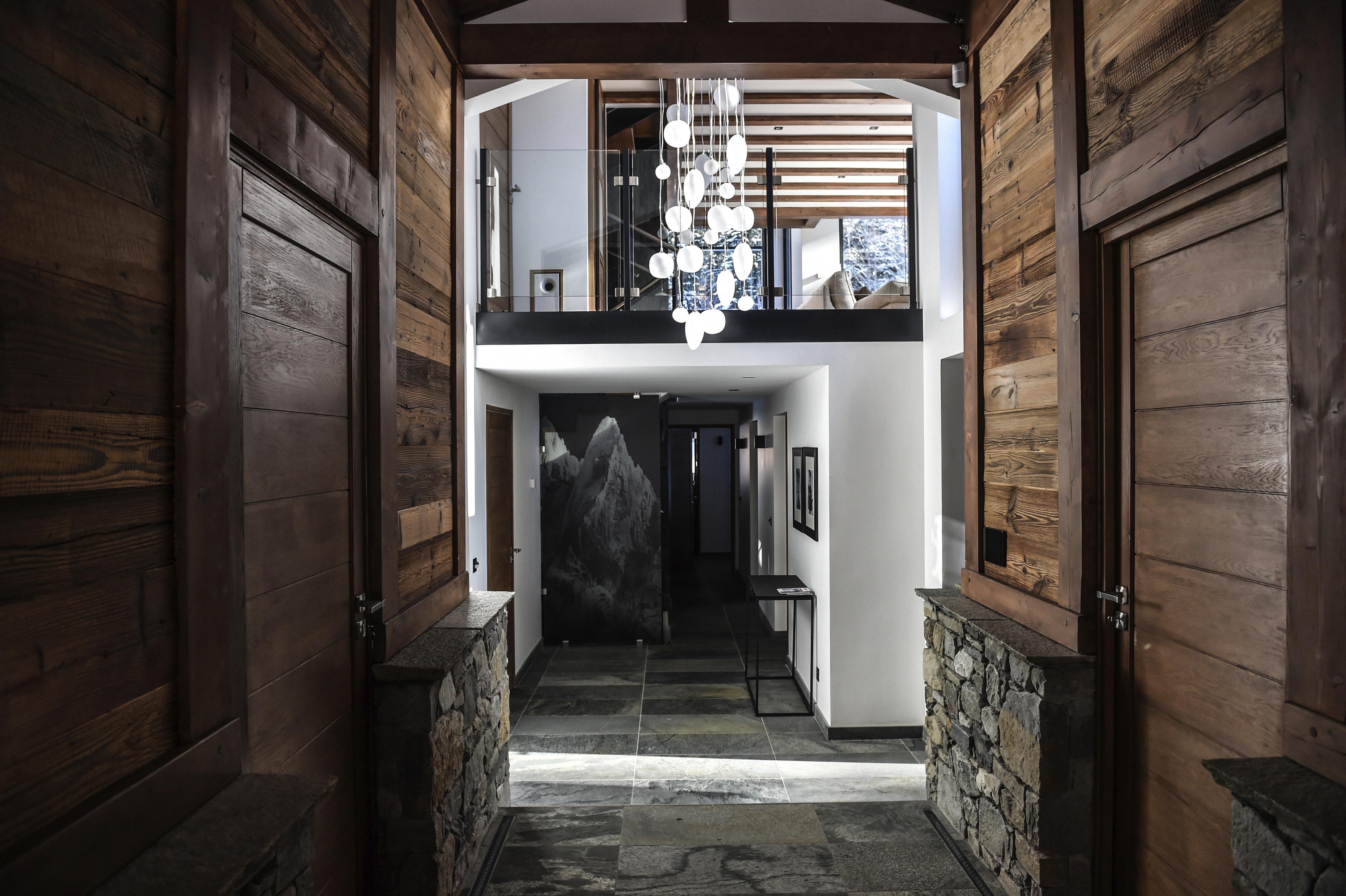 Soubassement Couloir En Bois chalet whymper | chevallier architectes