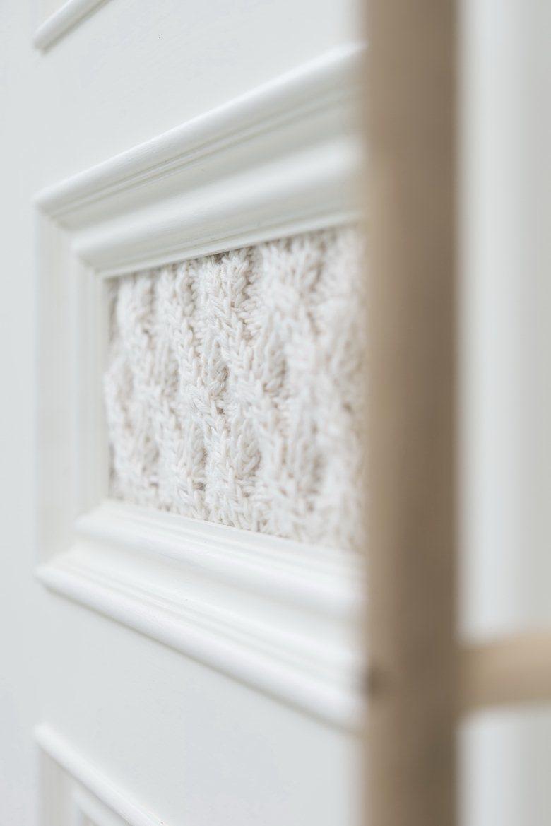 Knitted door