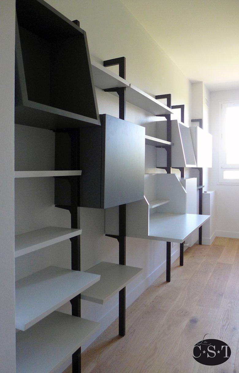 Bibliothèque modulaire sur montants métalliques