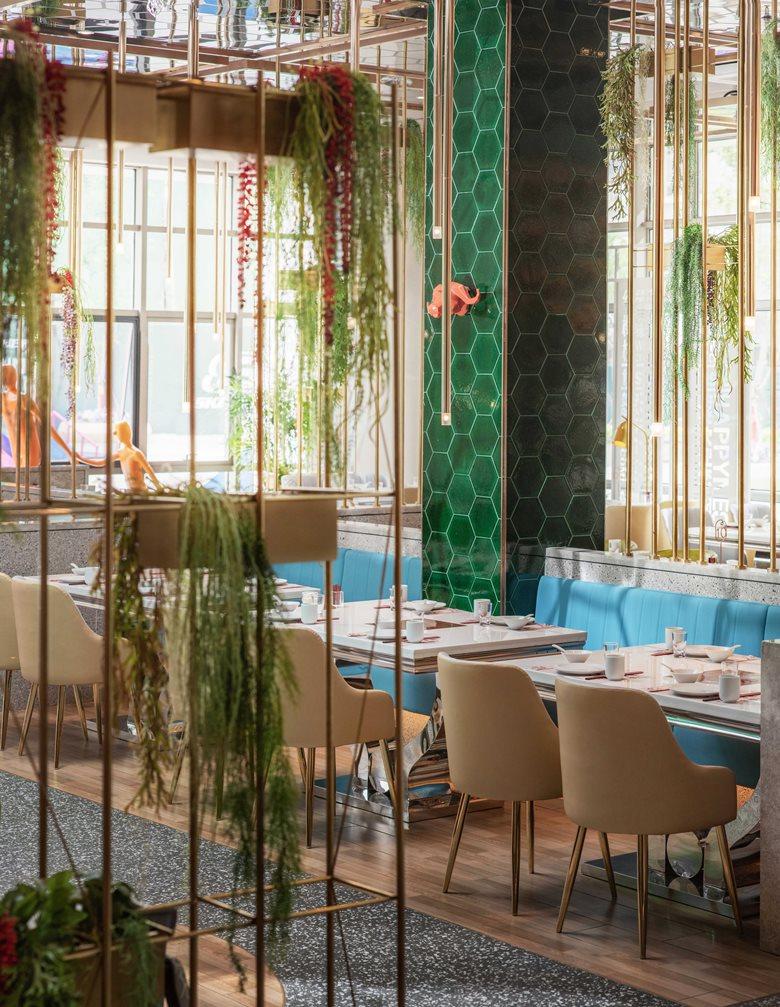 Yi Zhen Hua work | Red Cherry Happy Restaurant