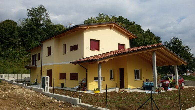 Progetto di una villa Bifamiliare in legno a Santorso (Vicenza)