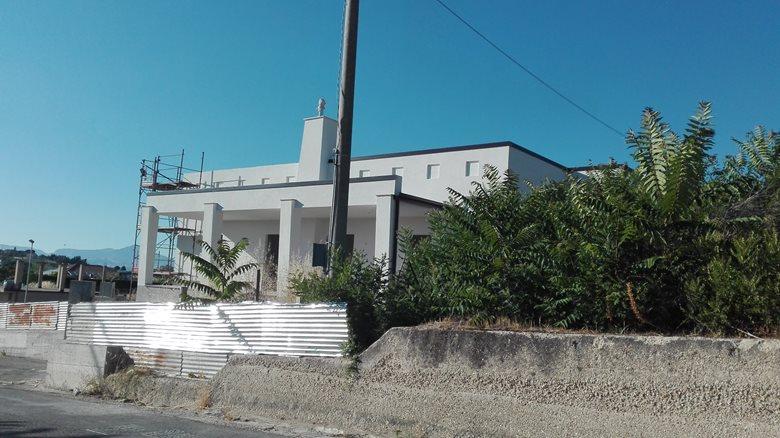 Casa L.