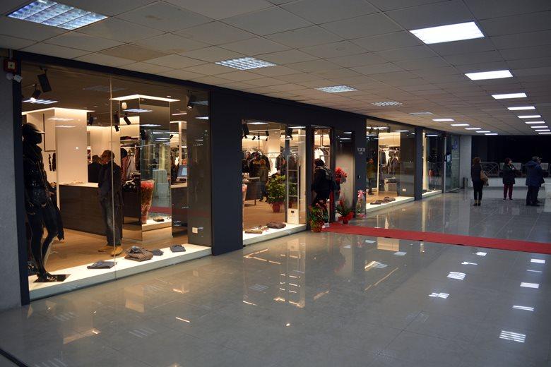 Modatour-men's store