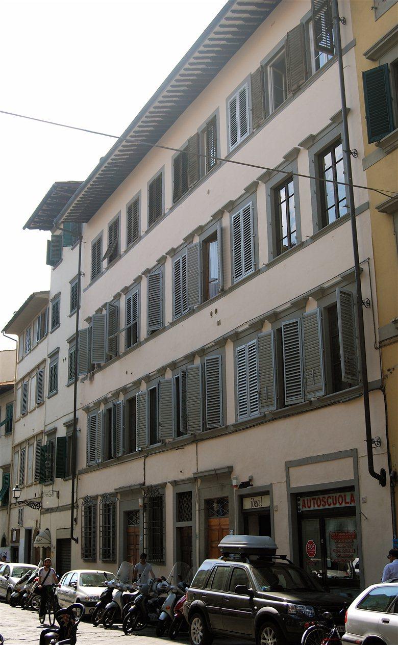 Firenze - Edificio per abitazioni ed uffici