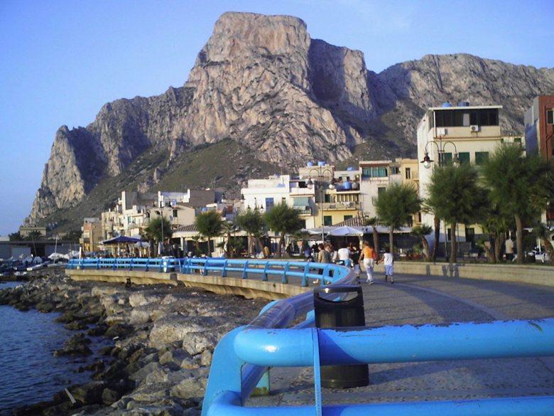Lungomare di Sferracavallo Palermo