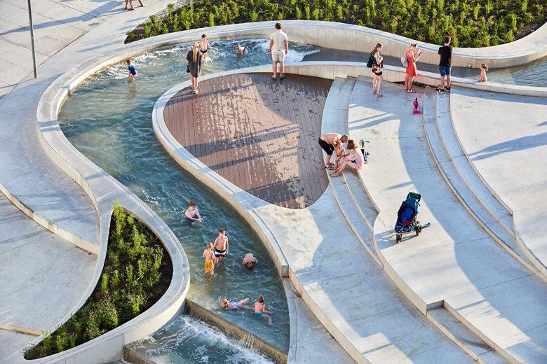 V-Plaza - Urban Development