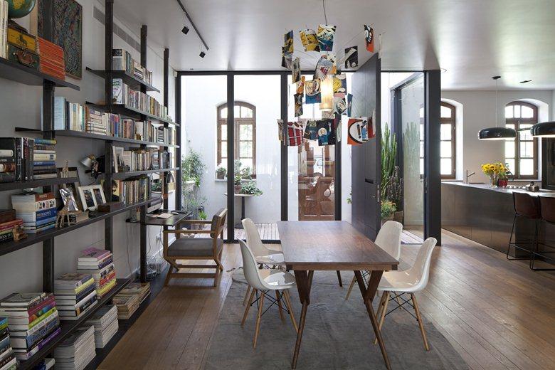 V HOUSE   Contemporary Mediterranean Villa