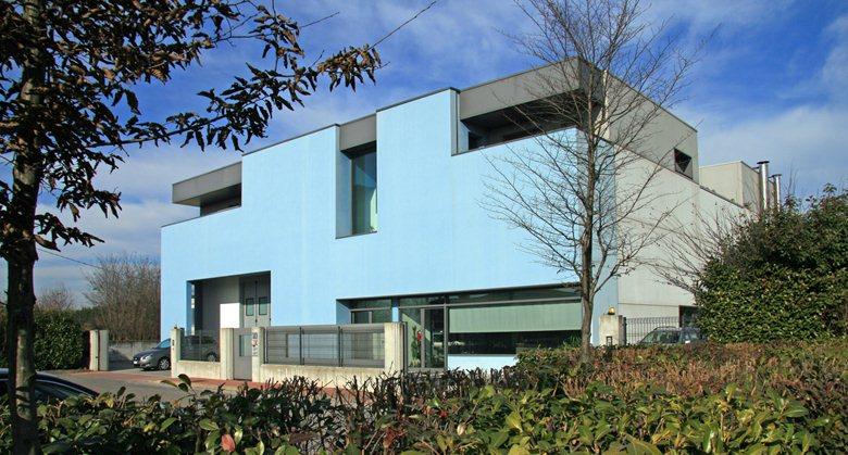 Edificio ad uso artigianale