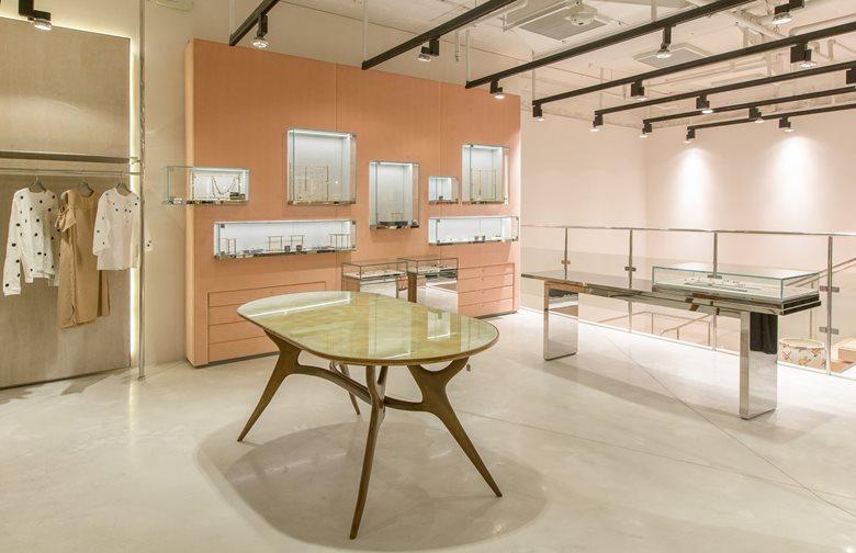 RUNWAY Concept Store