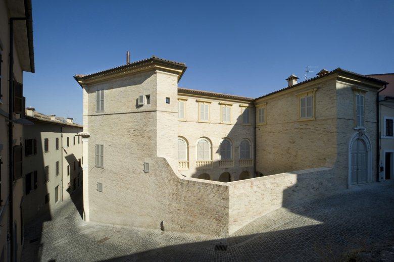 Restauro e risanamento conservativo di Palazzo Barilari