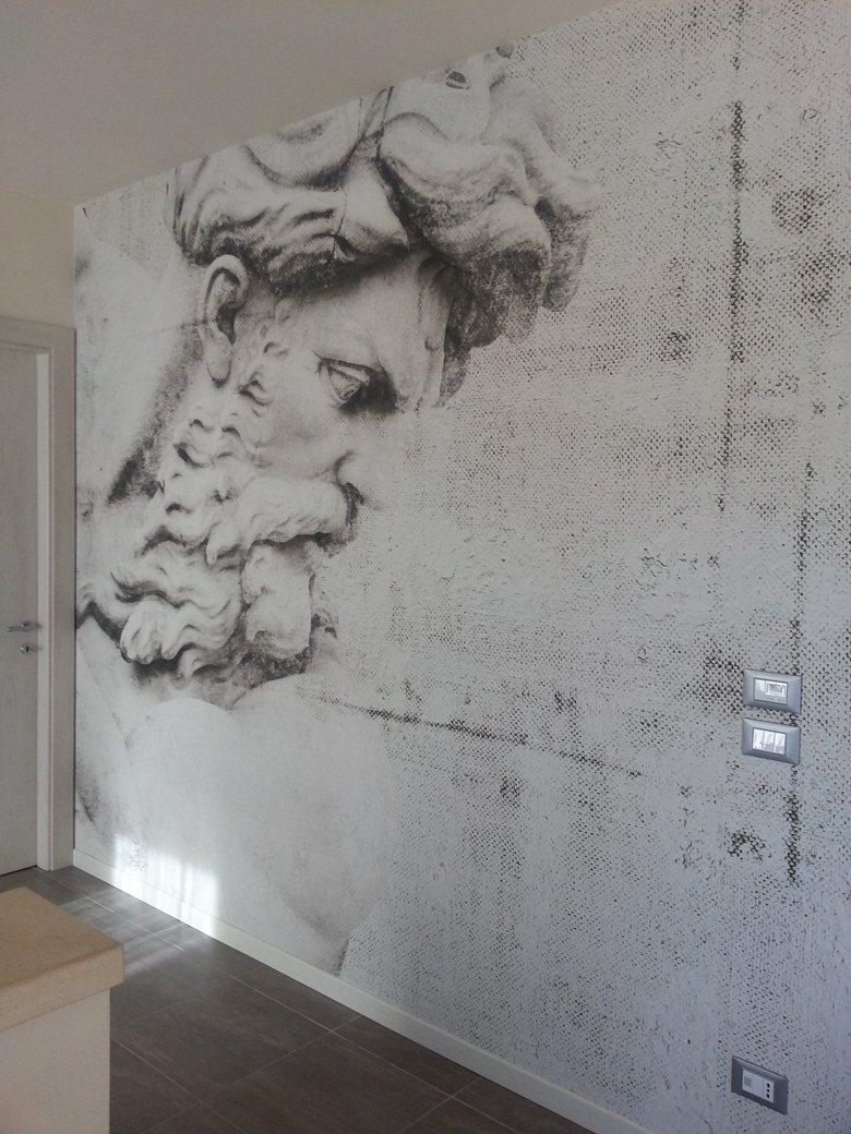 Un volto per una parete....