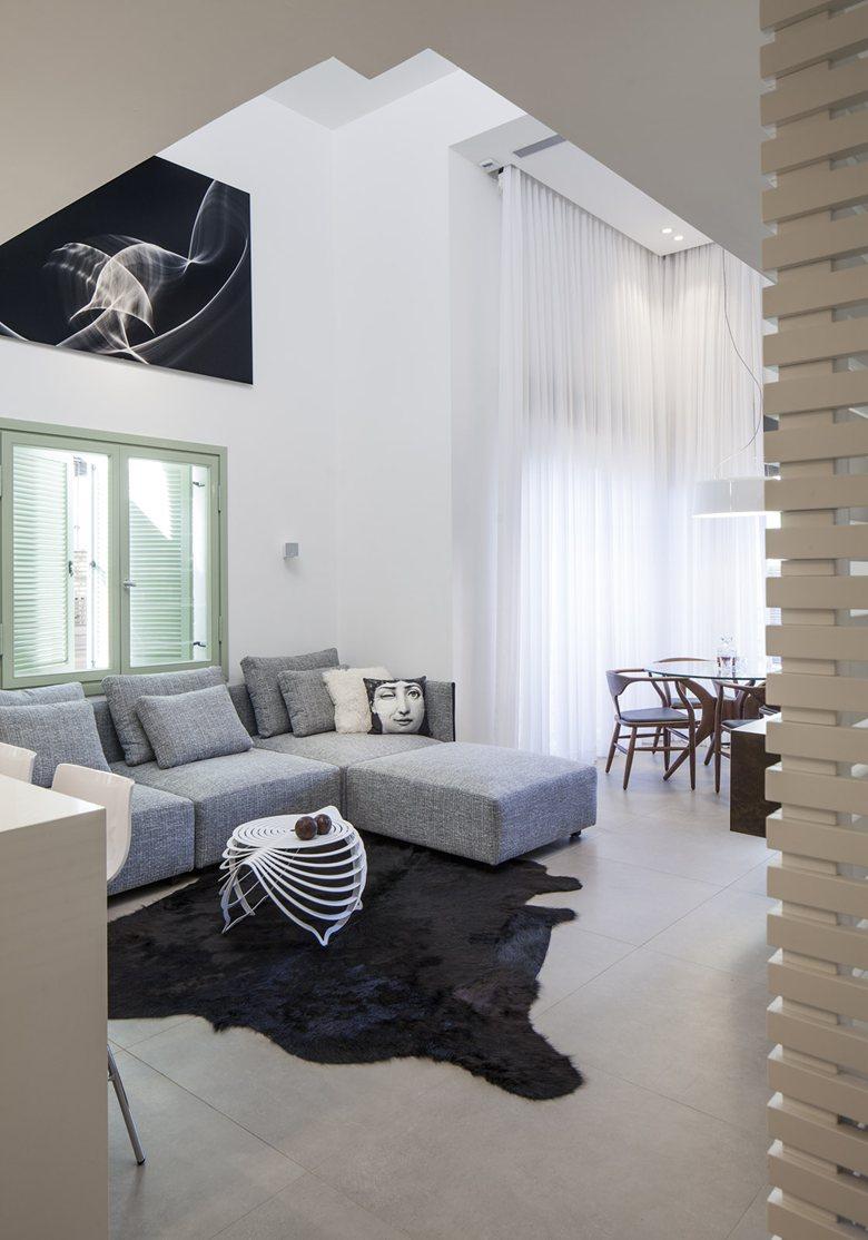 Urban Loft Apartment In A Restored Historic Building in Tel Aviv