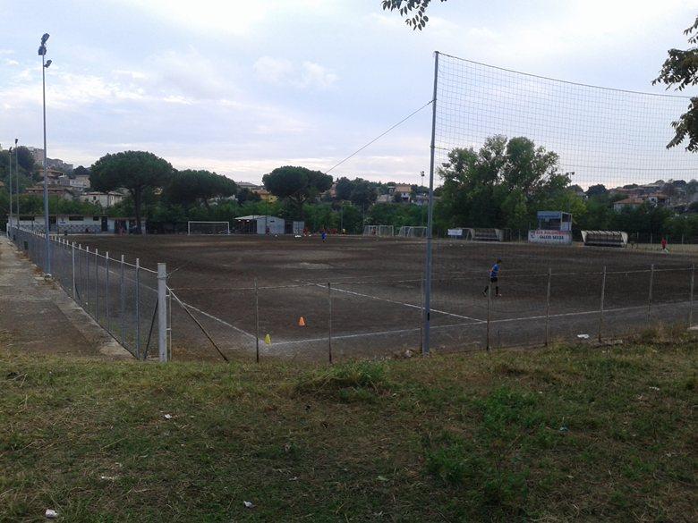 """Tribuna per l'impianto sportivo di calcio """"Fontanelle"""""""