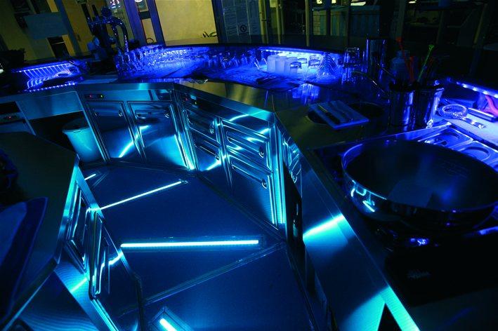 Illuminazione rgb per locale serale brillamenti by hi project
