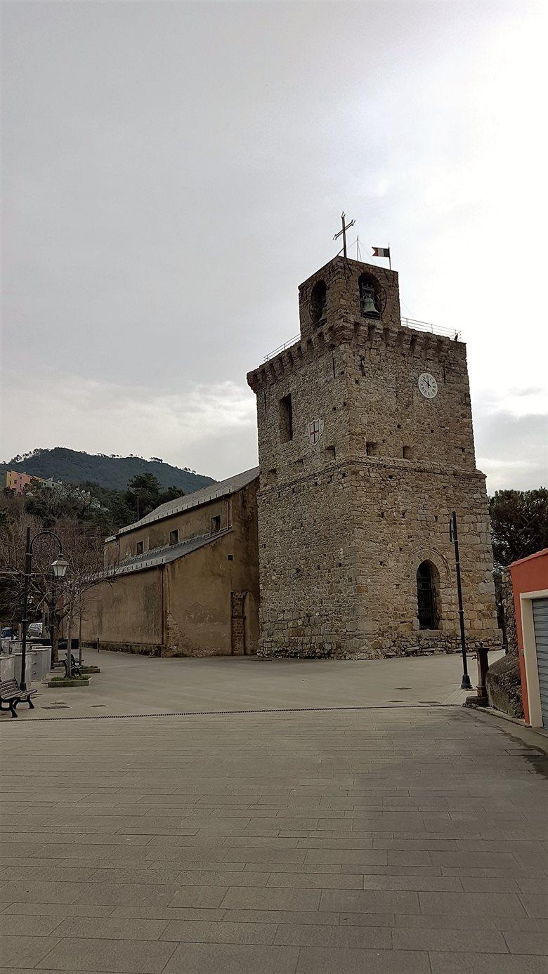 restauro della torre di Costa