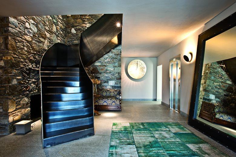 Villa/Ristorante - Wood and stone