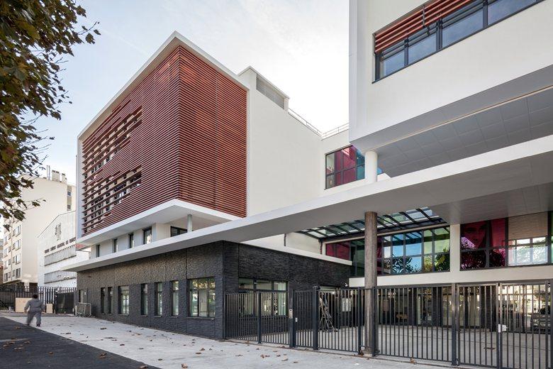 Construction d'un collège 700