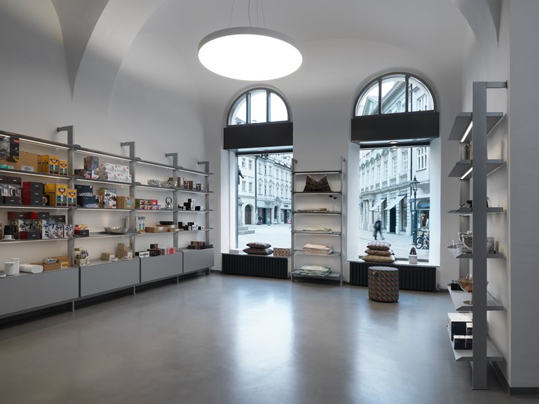 Tailor-made Shop Layout with the SCALA Shelving System