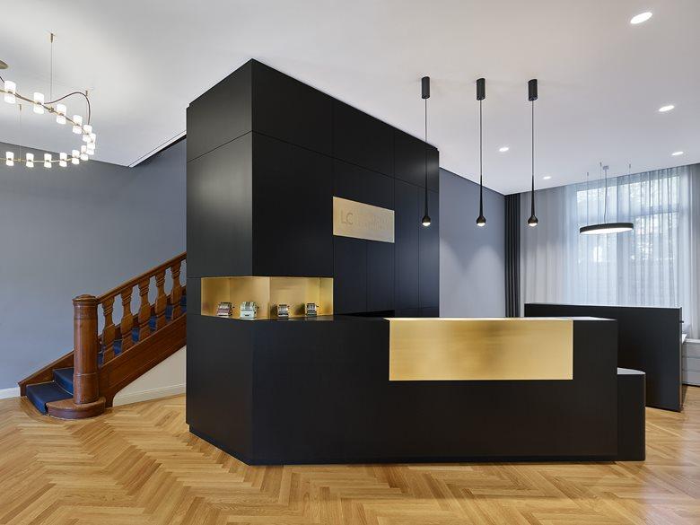 Office Villa M