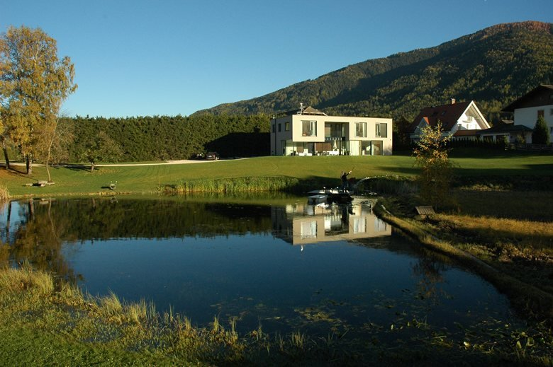 CASA P - house by the lake