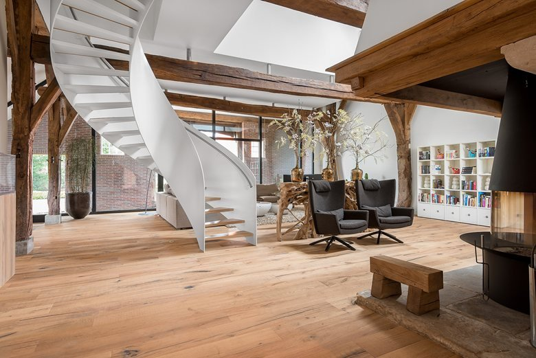 old farmhouse reshaped with reclaimed engineered Oak ...