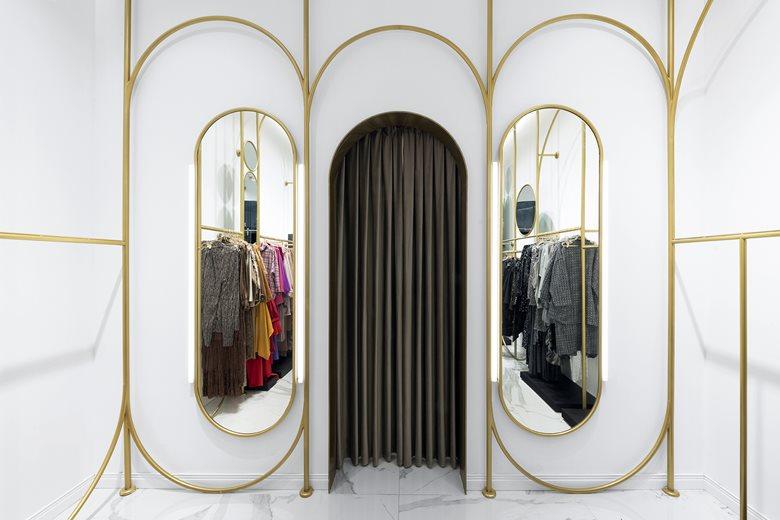 VSPS2 - A multiple brands women fashion store design