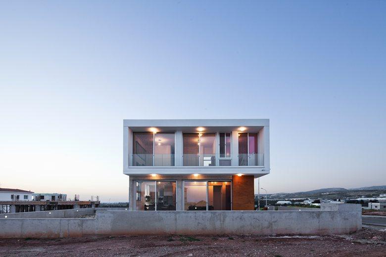 Riana's Residence