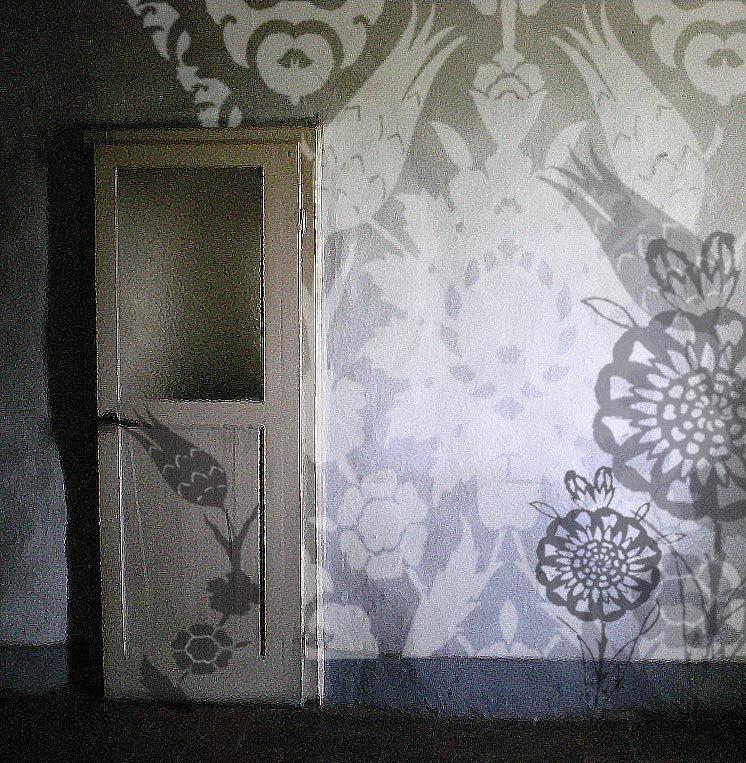 Over-sized stencil