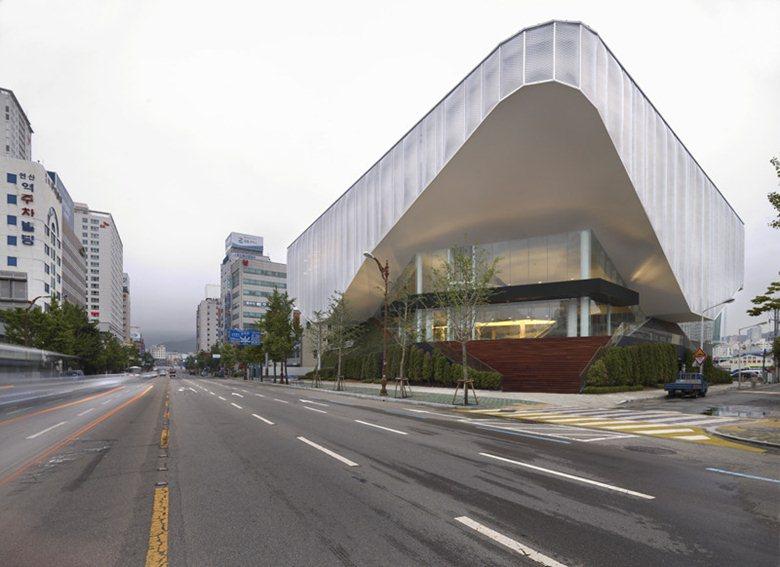 Xi Gallery