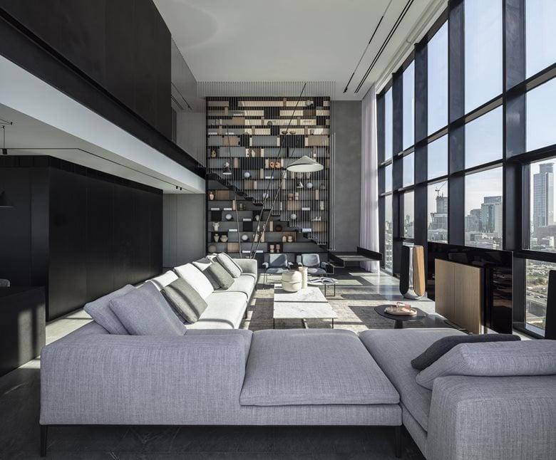V Penthouse