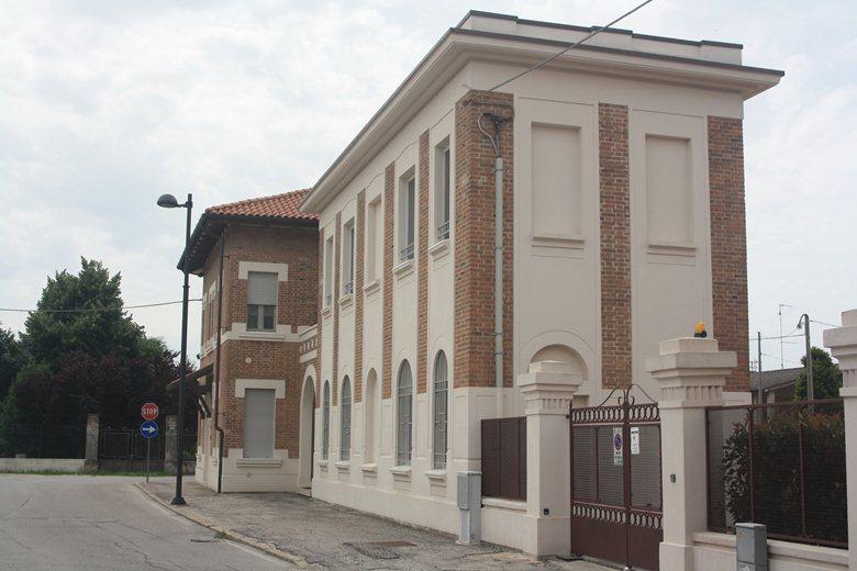"""Ristrutturazione edificio """"ex Enel""""."""