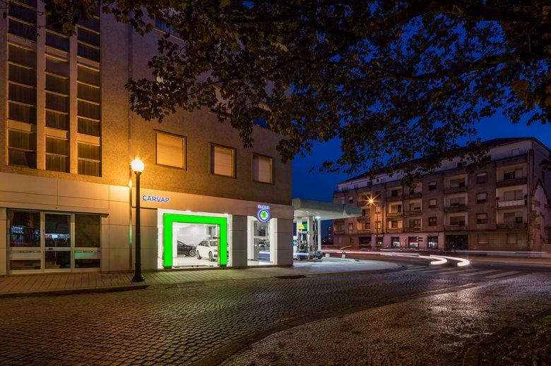 Car Showroom in Porto