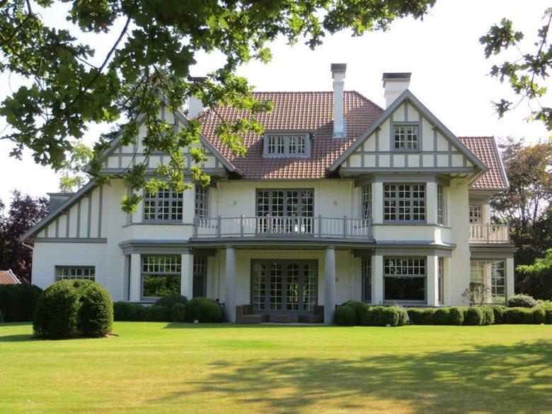 Transformation et aménagement d'une villa à Lasne
