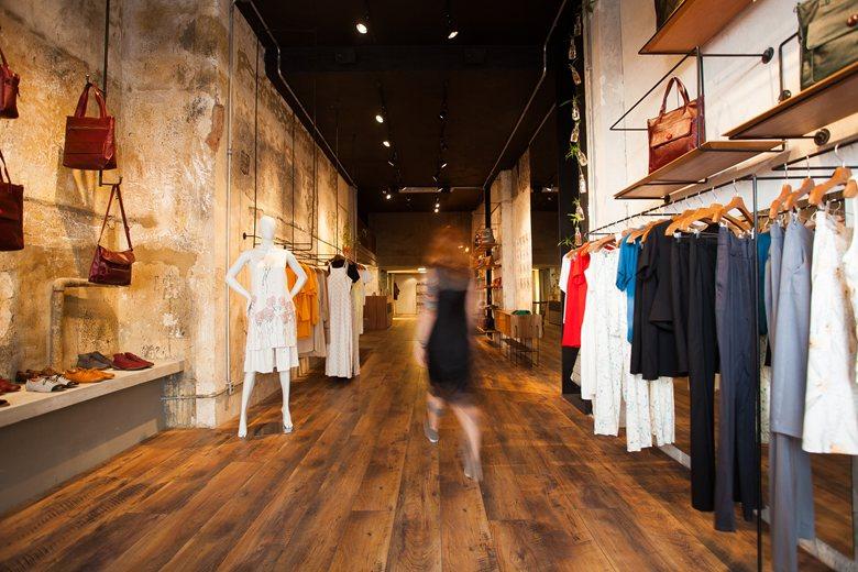 Angela Brito and tarsila Store