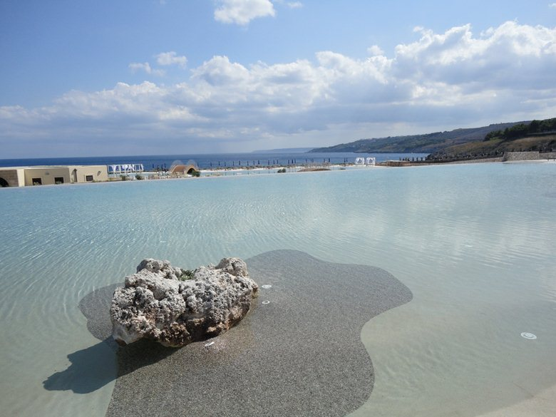 SYS PISCINE - DICIANNOVE Summer on the rocks
