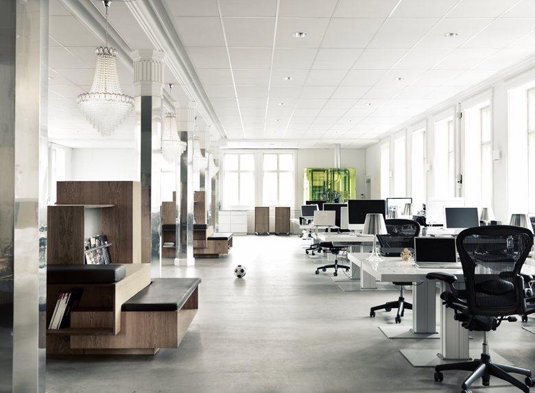 Generator Hall In2media Office