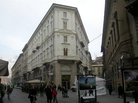 Risanamento conservativo e ridestinazione di un edificio in via Rovello 1