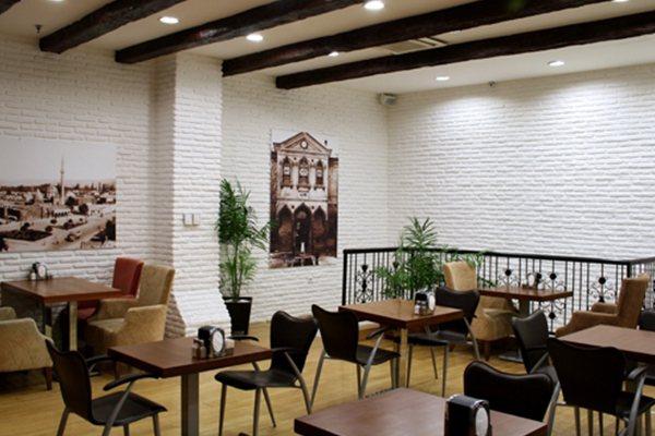 Faux Brick Wall Decoration Restaurant