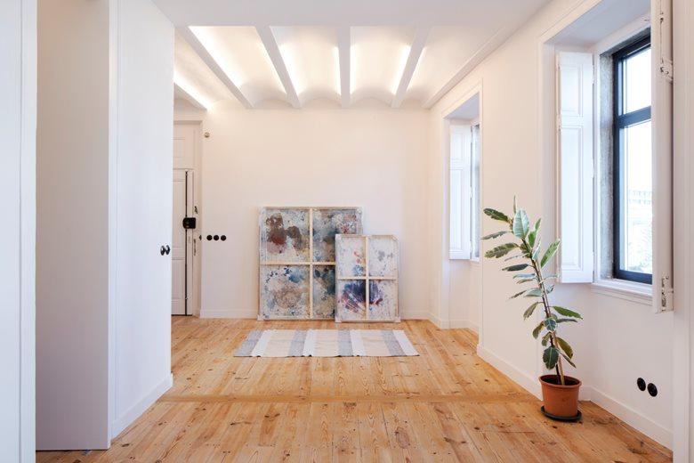Apartment A L C