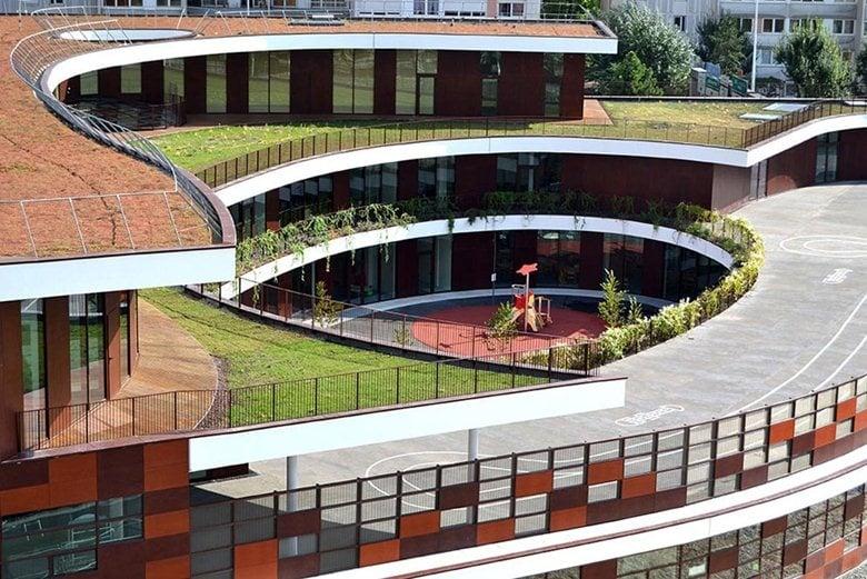 School complex and leisure center G.Valbon