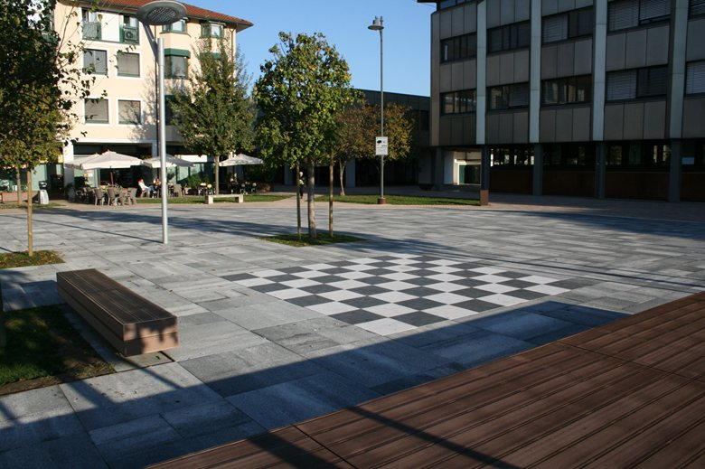 Riqualificazione piazza del Comune