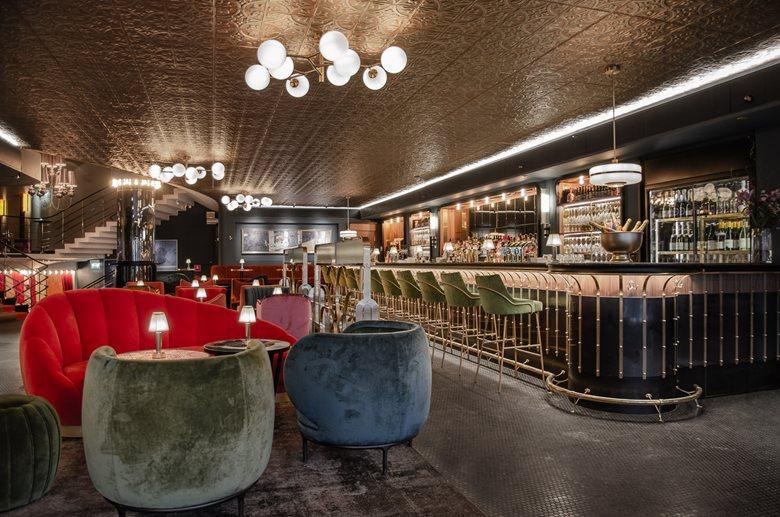 Hotel Rival – Watson's Bar
